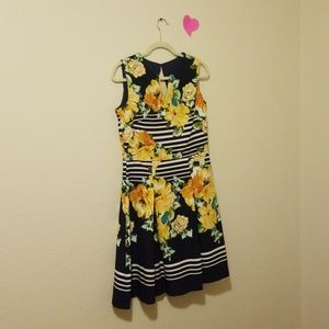 Dress barn floral swing a-line dress size 10  NWOT